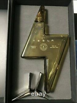 EMPTY TESLA TEQUILA BOTTLEwith Stand COLLECTIBLE IN HAND + FREE SHIP