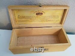 Jose Cuervo Tequila Reserva de La Familia BOX 750ml 1995 Joel Rendon! St Edition
