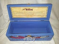 Jose Cuervo box Tequila Reserva De La Familia Collector Box 2000 Mercedes Gertz