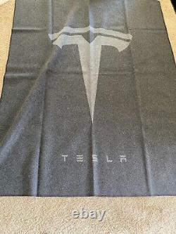 TESLA-BLANKET AUTHENTIC LIMITED NOT SOLD, RARE, LARGE, Merino Wool, ELON Tequila