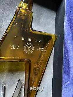 TESLA TEQUILA AÑEJO LIGHTNING EMPTY BOTTLE With Stand and Box Decanter Collectible